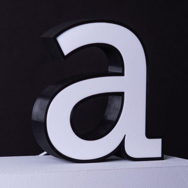 Der Buchstabe a mit in einem 3d-Drucker hergestellt